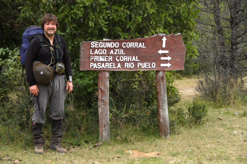 Pedro posing at the route sign - so is it to be Segundo or Primer Corral?